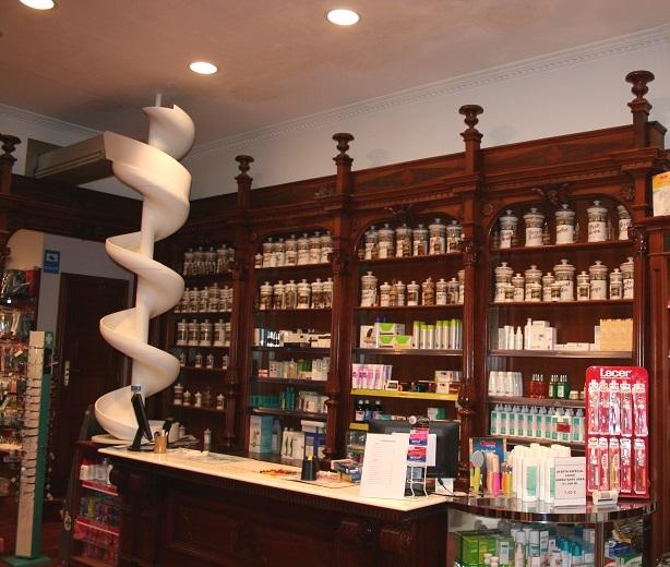 Reforma de iluminación en Farmacia (2013)